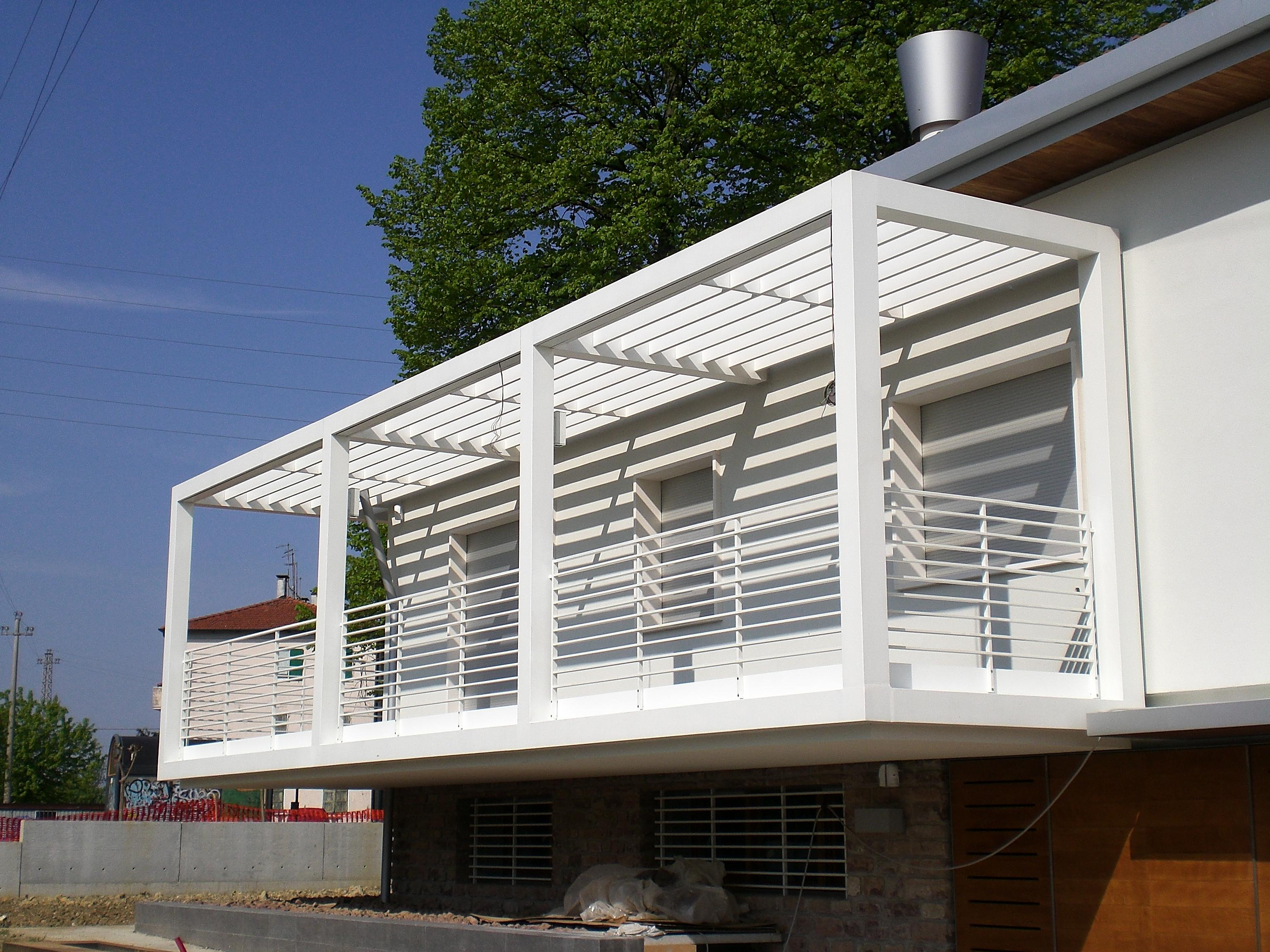 Carpenteria metallica veneto recinzioni veneto - Parapetto terrazzo ...